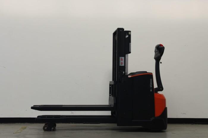 Toyota-Gabelstapler-59840 1912017495 1 scaled