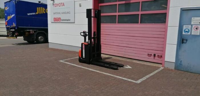 Toyota-Gabelstapler-212 002544 2