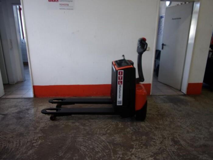 Toyota-Gabelstapler-212 005476 1