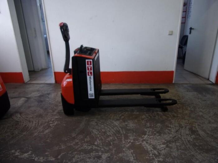 Toyota-Gabelstapler-212 005476 2