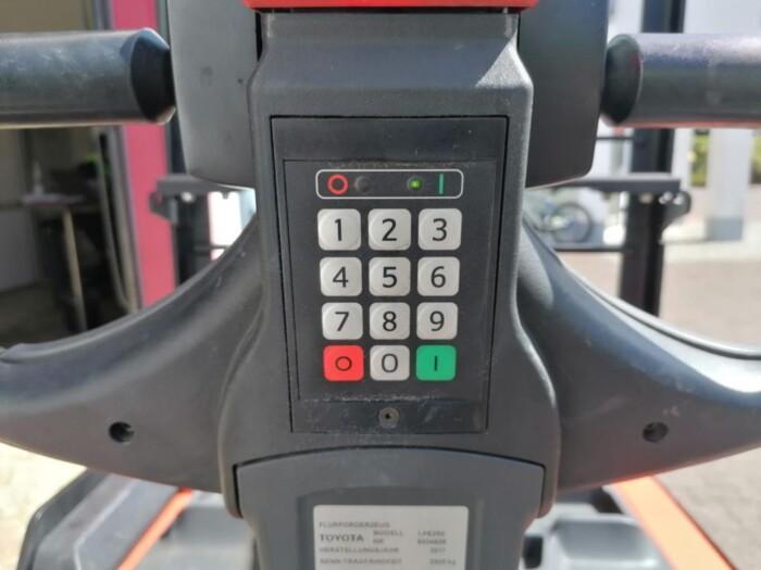 Toyota-Gabelstapler-212 005792 6