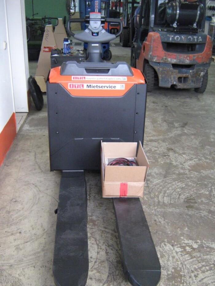 Toyota-Gabelstapler-212 005878 3