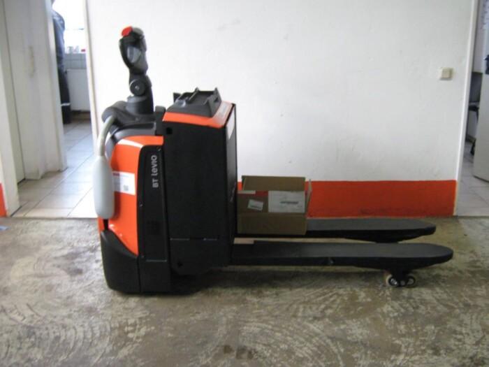 Toyota-Gabelstapler-212 005878 4
