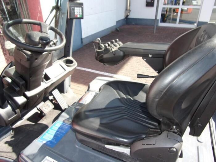 Toyota-Gabelstapler-212 013350 6