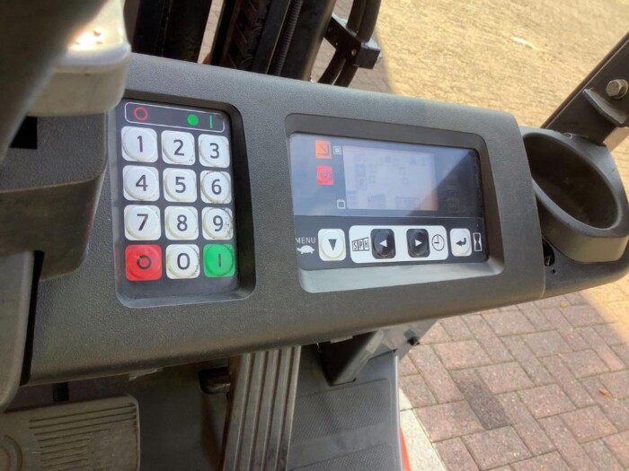 Toyota-Gabelstapler-212 013452 10