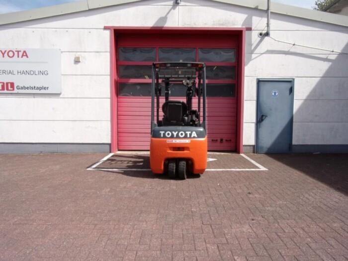 Toyota-Gabelstapler-212 013466 6