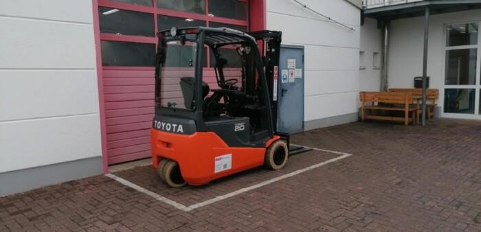 Toyota-Gabelstapler-212 013528 5