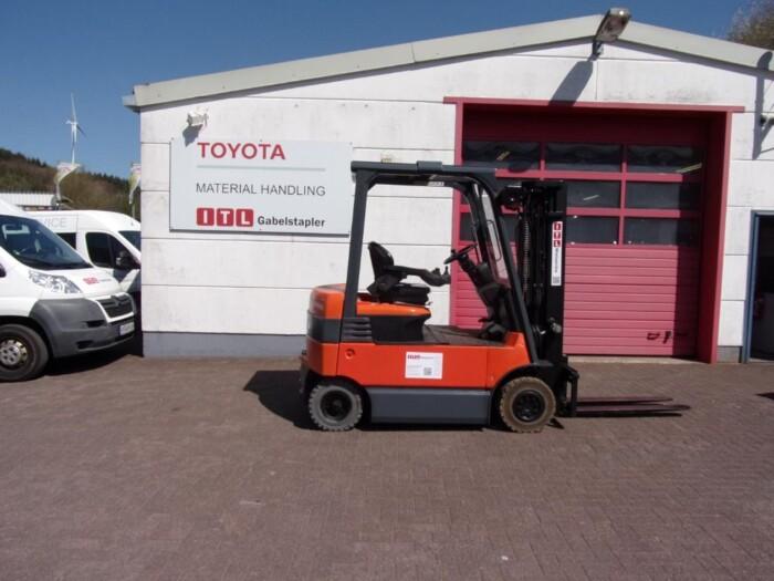 Toyota-Gabelstapler-212 013984 3