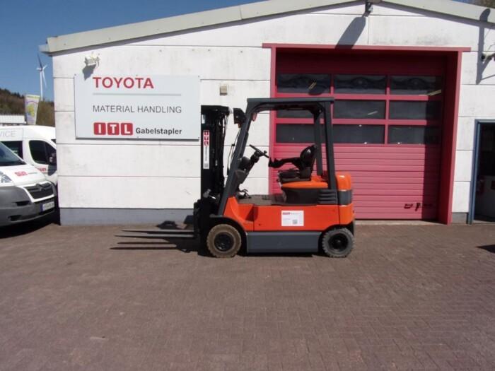 Toyota-Gabelstapler-212 013984 4
