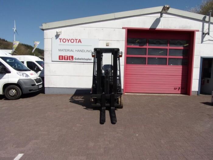 Toyota-Gabelstapler-212 013984 5