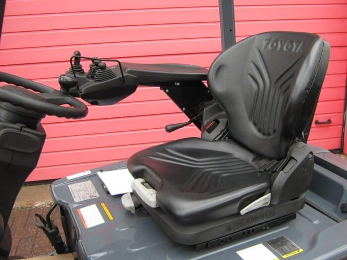 Toyota-Gabelstapler-212 17325 6 146