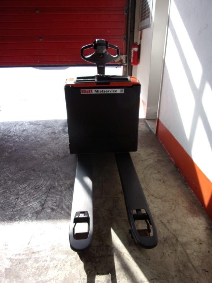 Toyota-Gabelstapler-212 17470 4 13 scaled