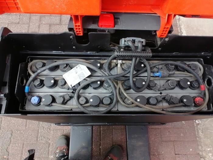 Toyota-Gabelstapler-212 17470 8 15 scaled