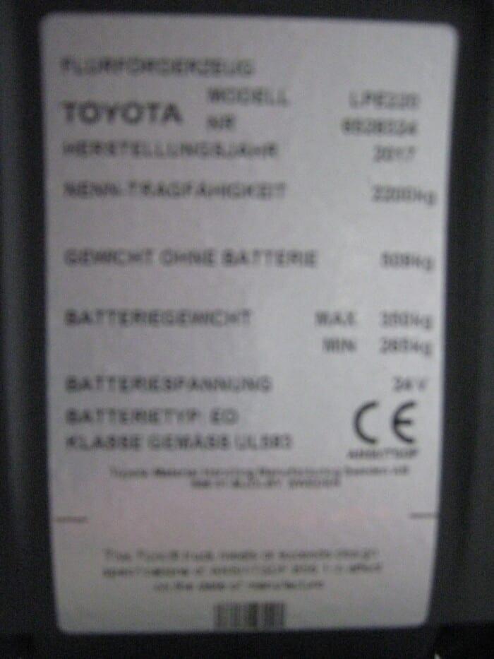 Toyota-Gabelstapler-212 17558 2 1 rotated