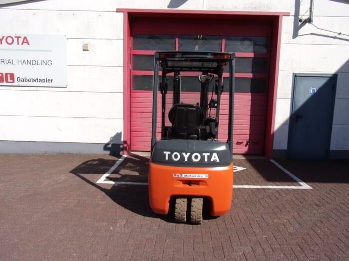 Toyota-Gabelstapler-212 18399 6 13 scaled