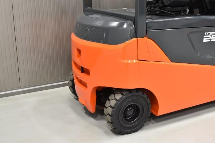 Toyota-Gabelstapler-212 21350 8 2
