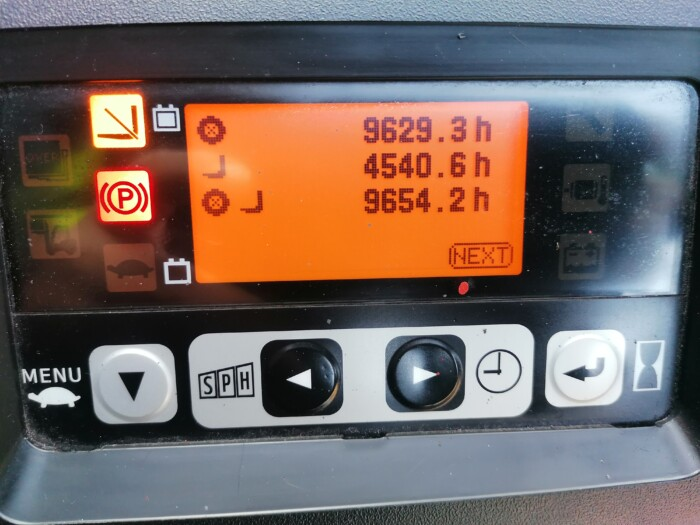 Toyota-Gabelstapler-212 21479 11 scaled
