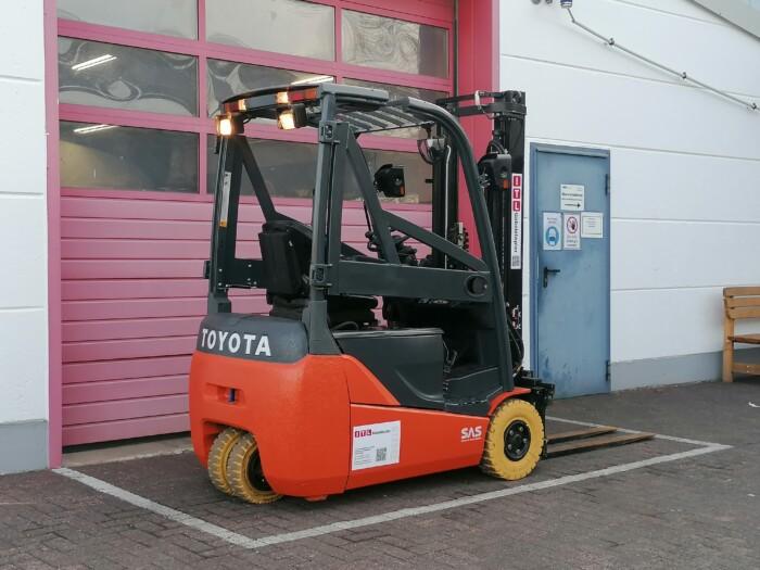 Toyota-Gabelstapler-212 21479 6 scaled