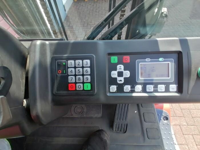 Toyota-Gabelstapler-212 21512 10 scaled