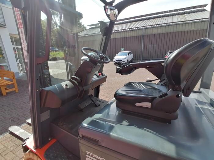 Toyota-Gabelstapler-212 21512 9 scaled