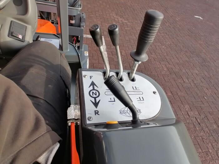 Toyota-Gabelstapler-212 21803 8 2 scaled