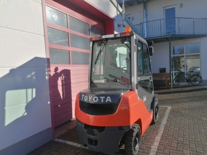 Toyota-Gabelstapler-212 21911 6 2 scaled