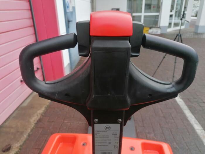 Toyota-Gabelstapler-212 21919 6 2 scaled
