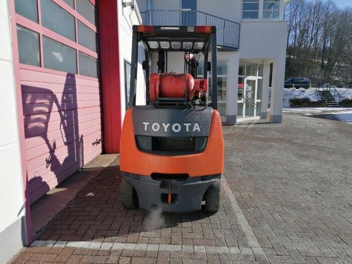 Toyota-Gabelstapler-212 22104 4 scaled