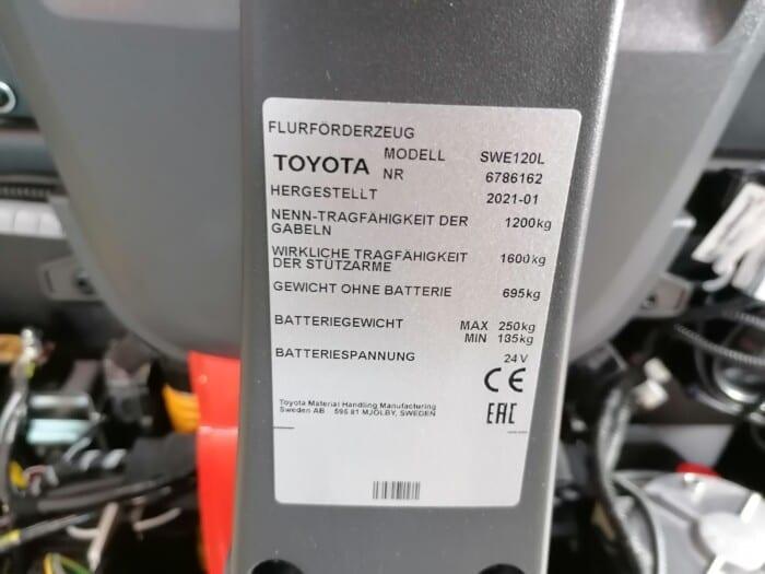 Toyota-Gabelstapler-212 22143 3 scaled