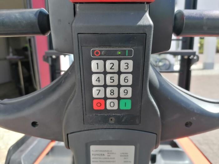 Toyota-Gabelstapler-212 22520 6