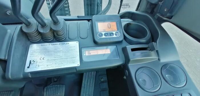 Toyota-Gabelstapler-212 22649 9
