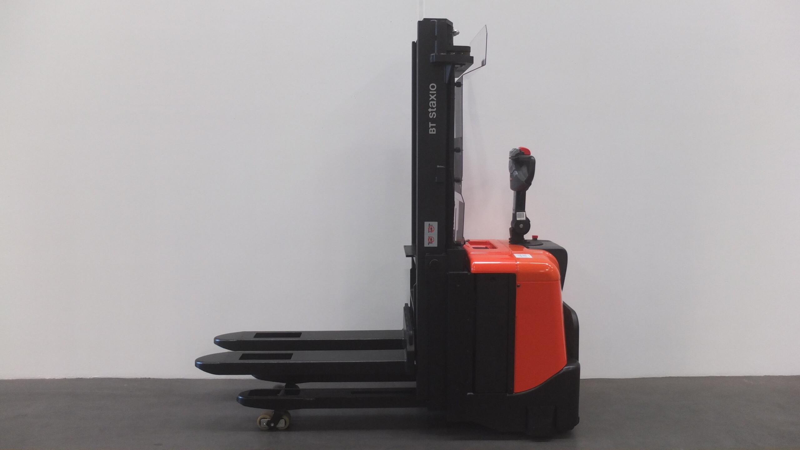 Toyota-Gabelstapler-59840 1311001114 1 73 scaled