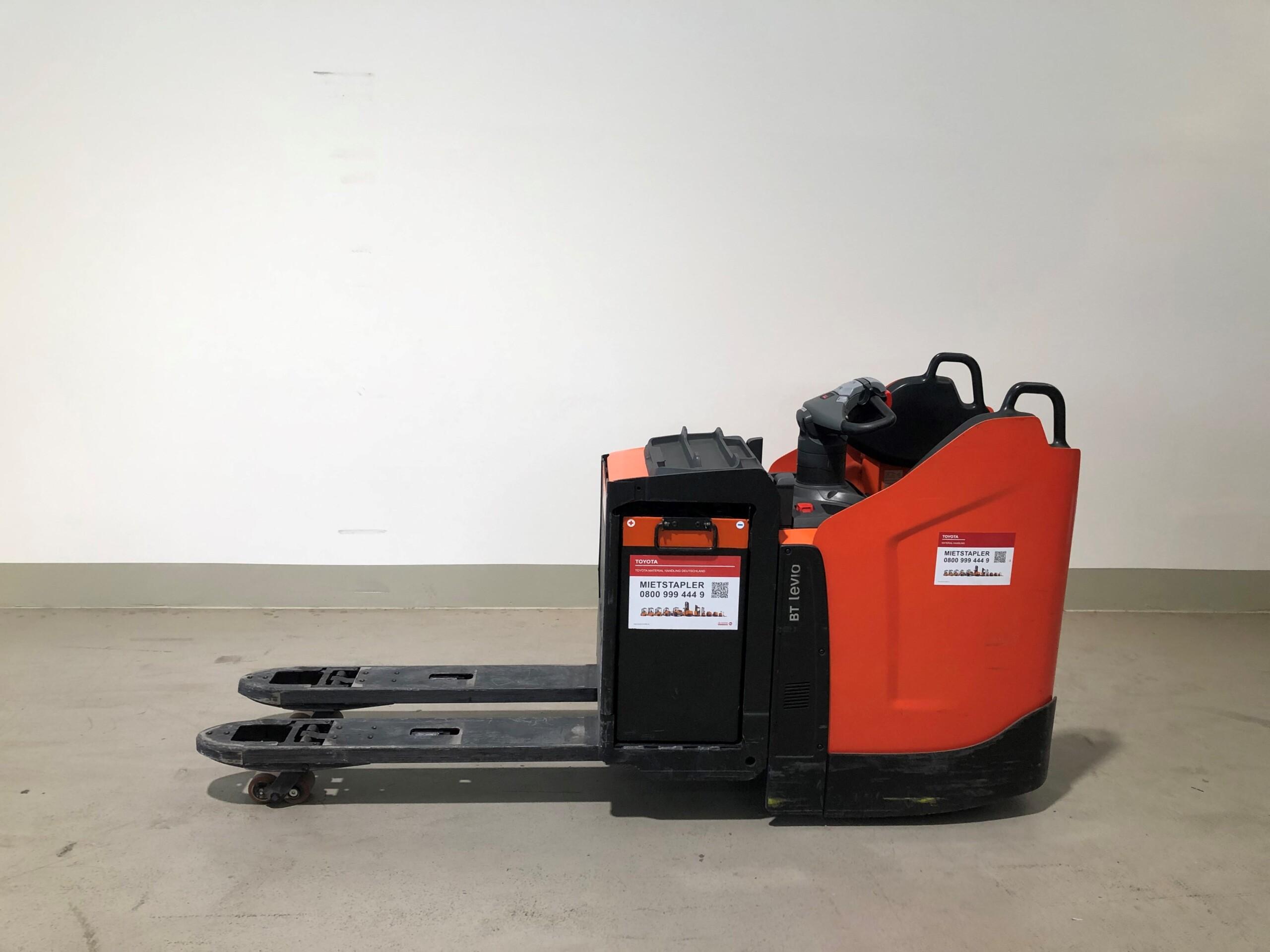 Toyota-Gabelstapler-59840 1505015443 1 77 scaled