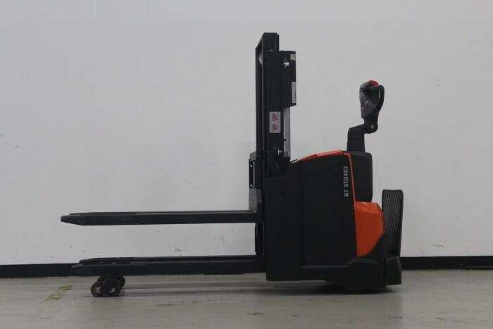 Toyota-Gabelstapler-59840 1506012074 1 24 scaled