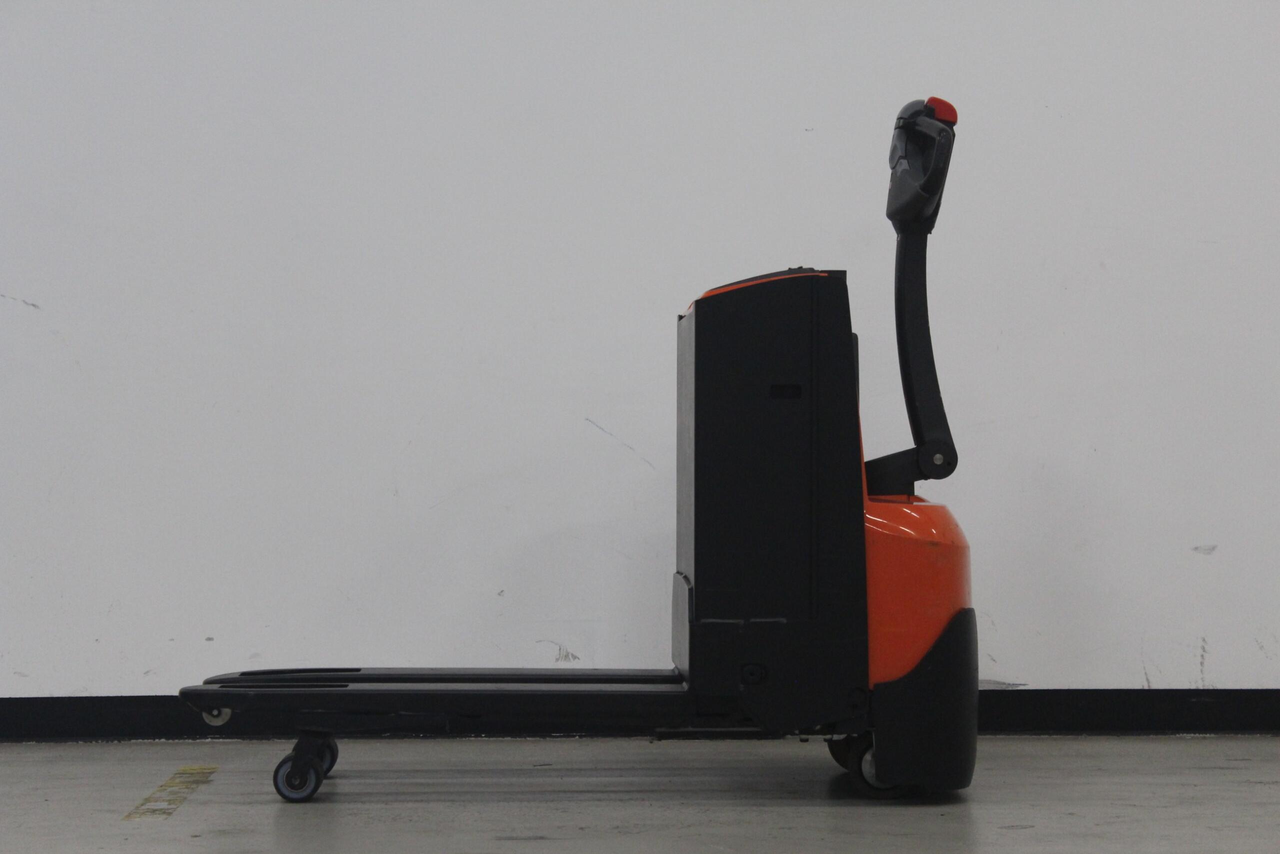 Toyota-Gabelstapler-59840 1509000388 1 3 scaled