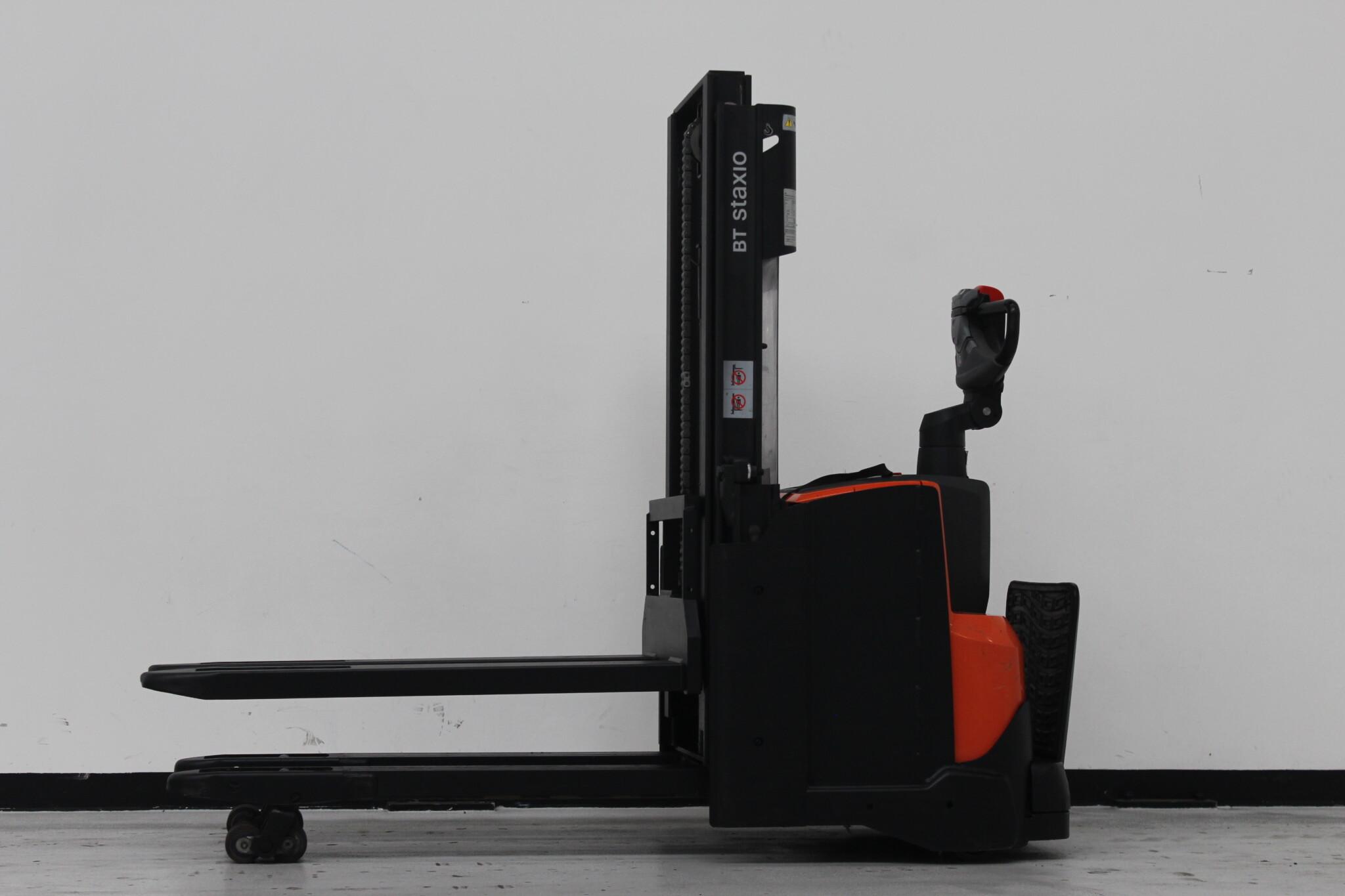 Toyota-Gabelstapler-59840 1512030858 1 scaled