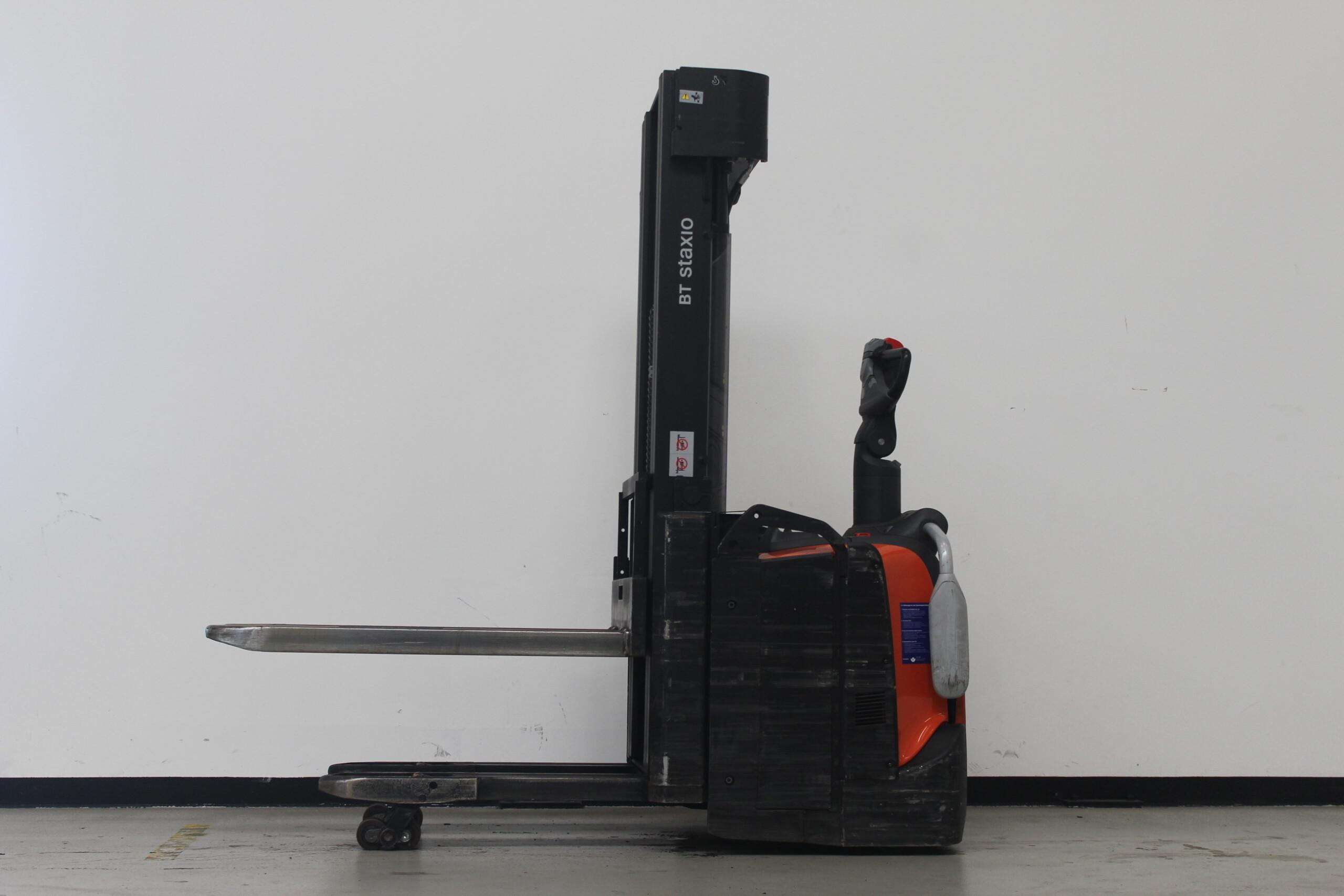 Toyota-Gabelstapler-59840 1601024366 1 7 scaled