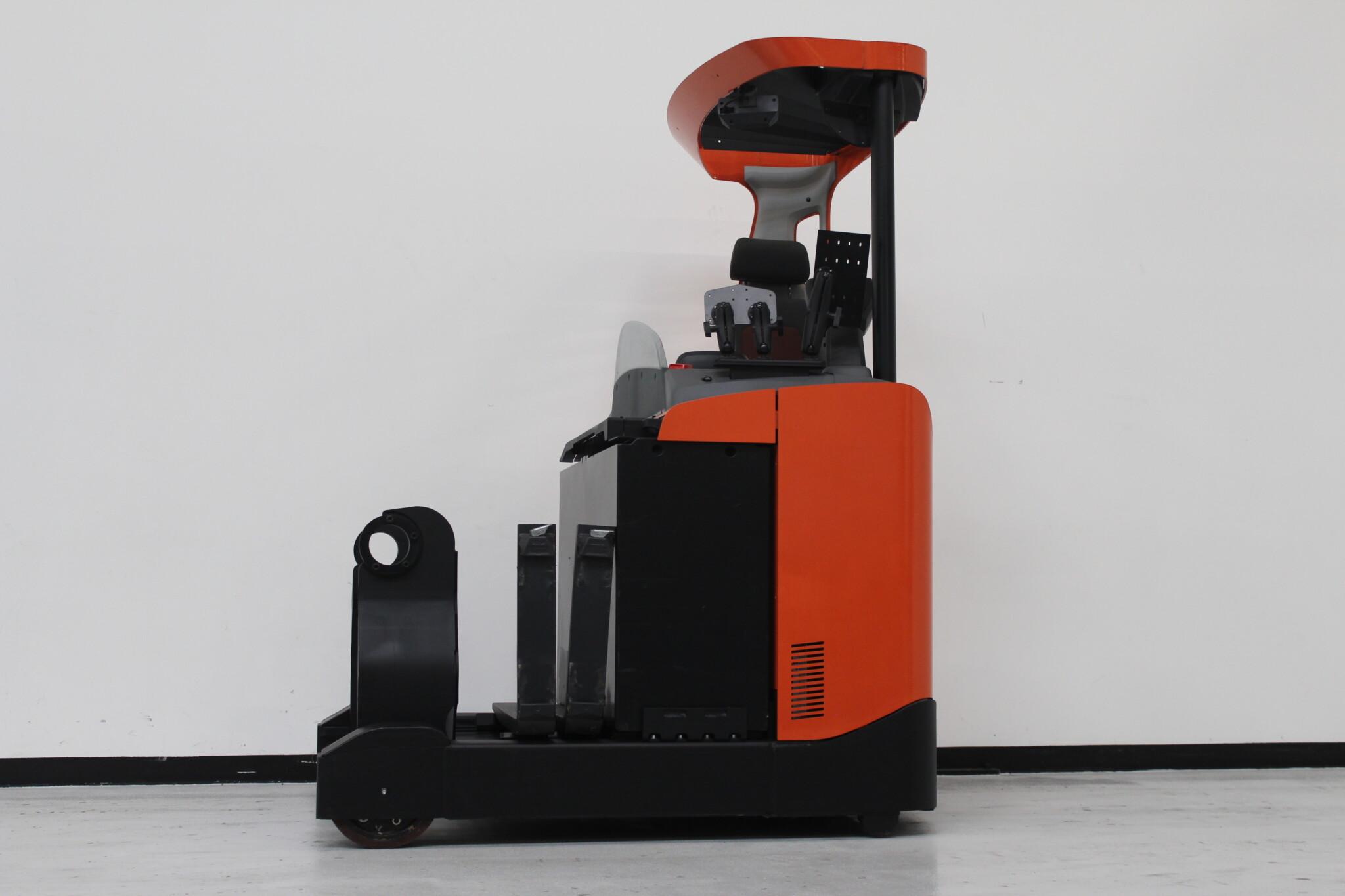 Toyota-Gabelstapler-59840 1604010703 1 scaled