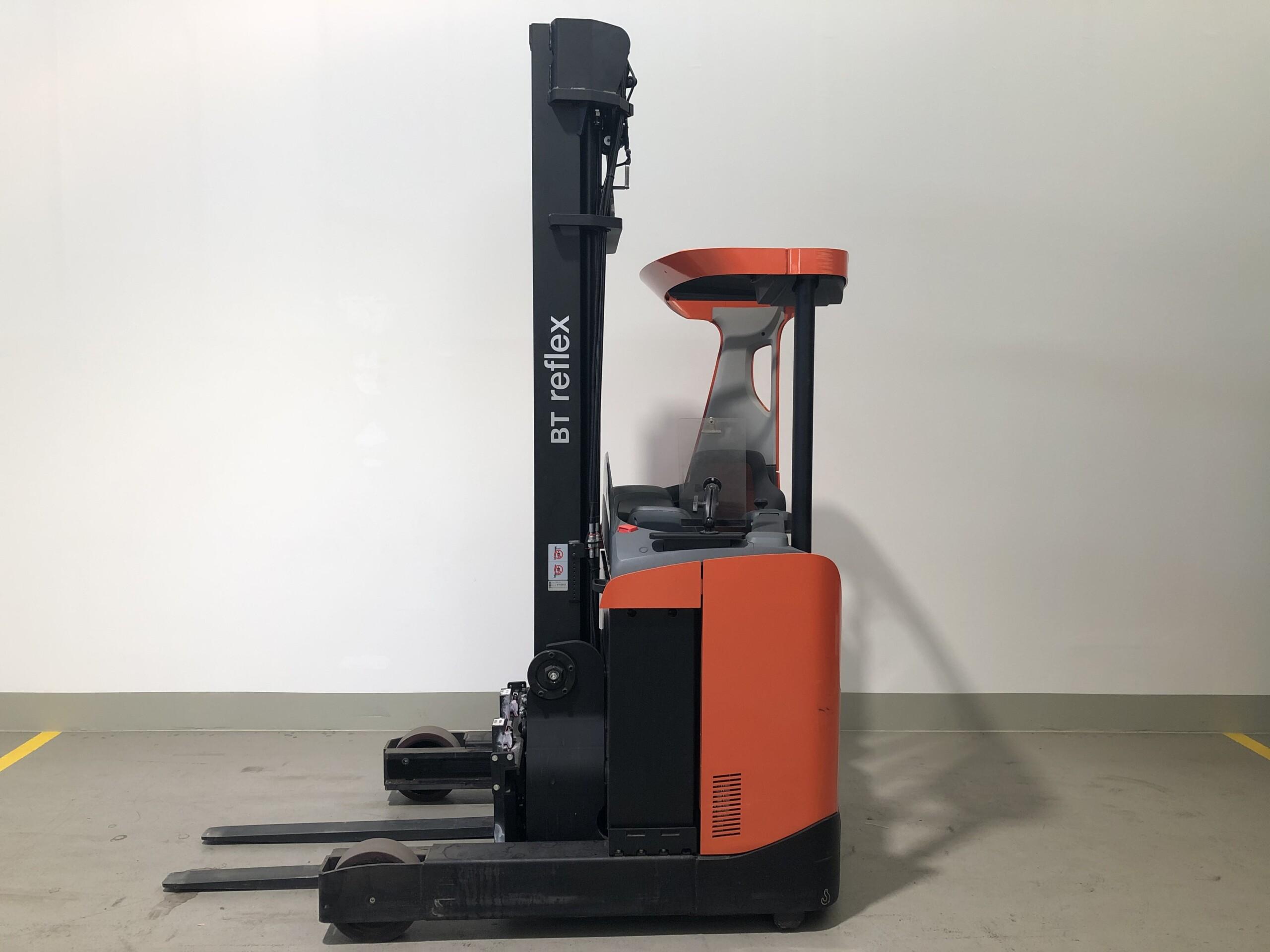 Toyota-Gabelstapler-59840 1605022924 1 37 scaled