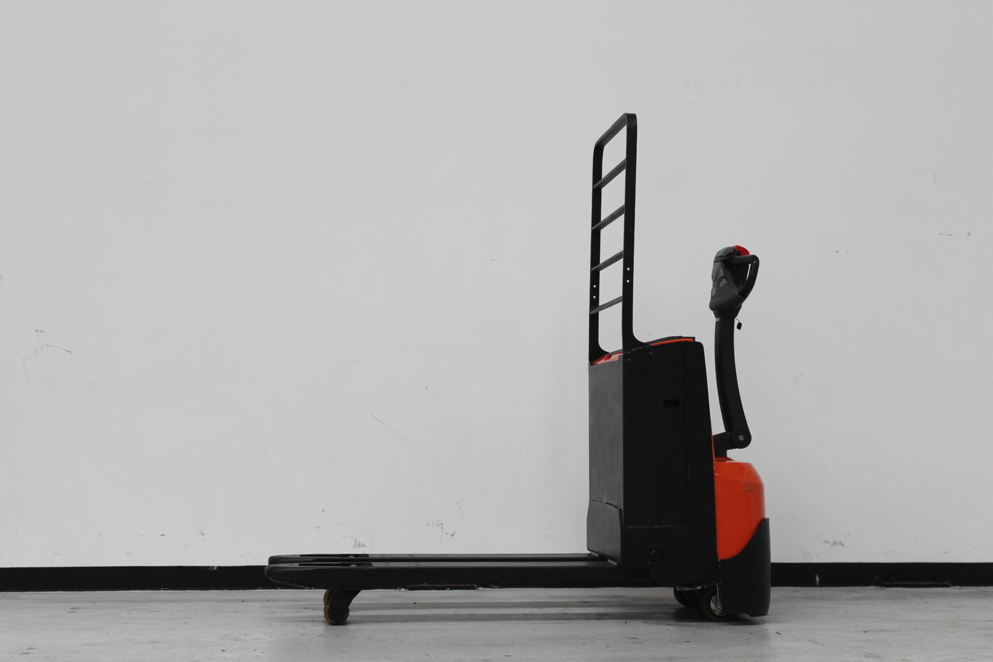 Toyota-Gabelstapler-59840 1606003909 1 scaled