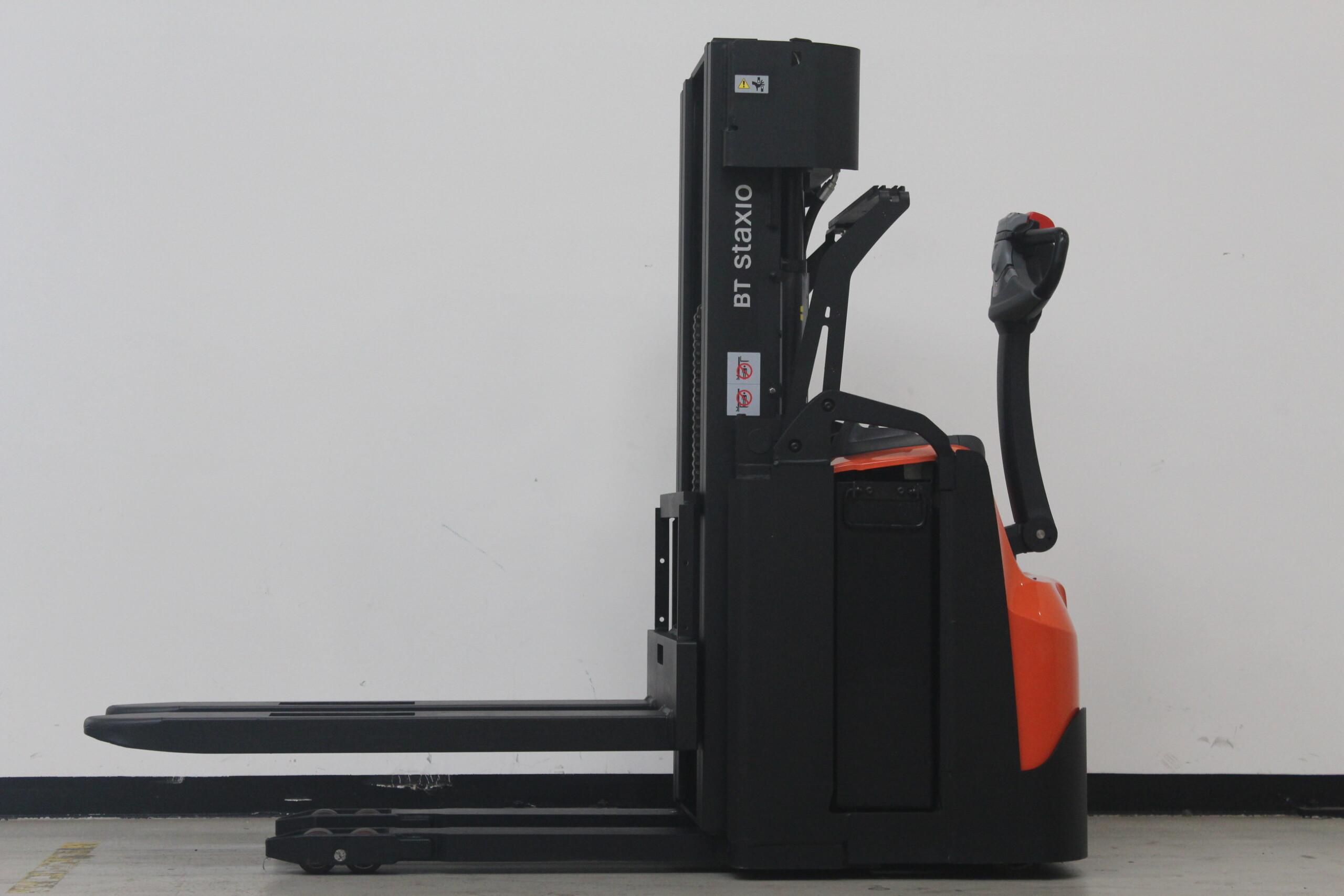 Toyota-Gabelstapler-59840 1606014501 1 24 scaled