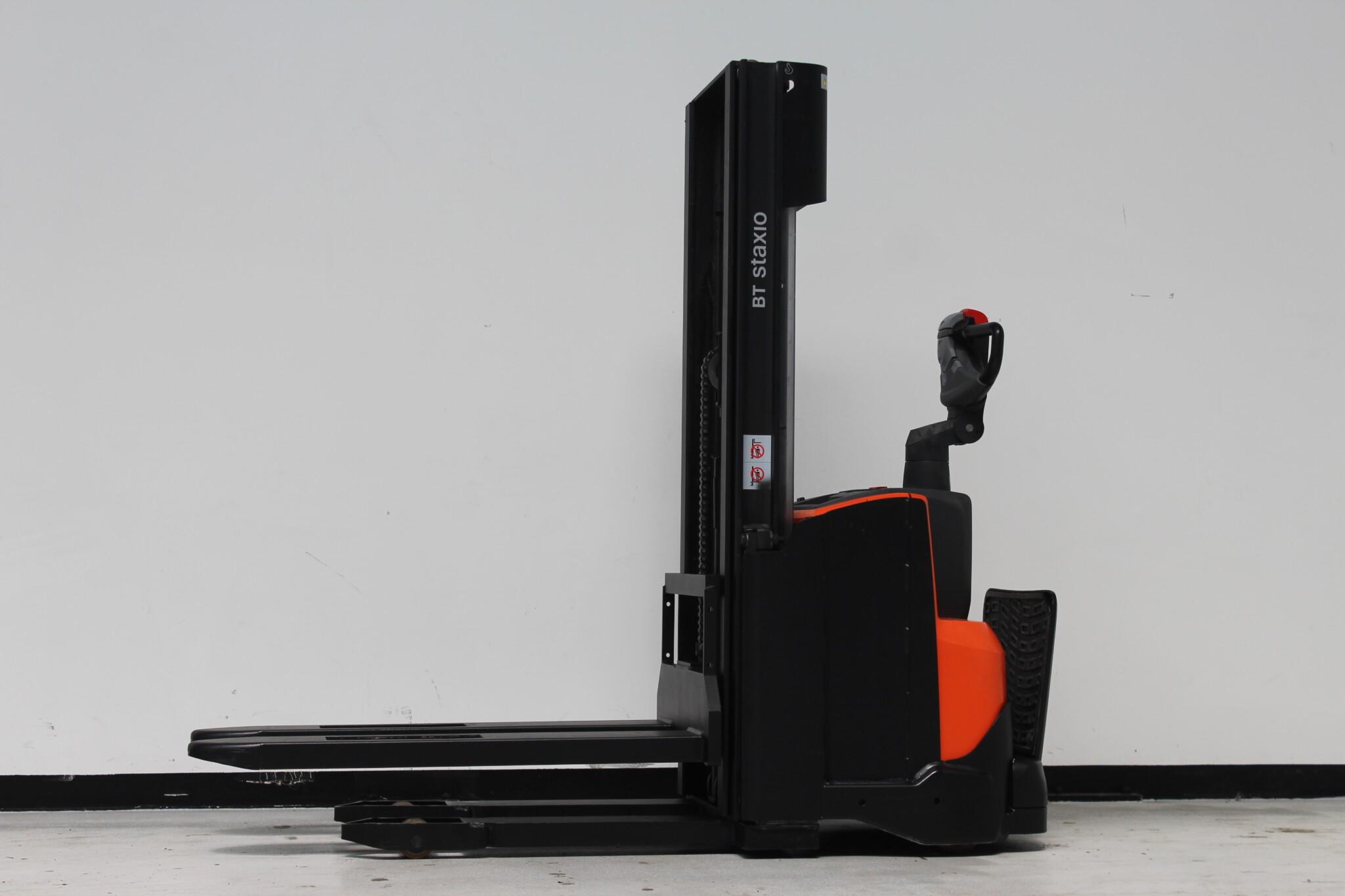 Toyota-Gabelstapler-59840 1606021594 1 scaled