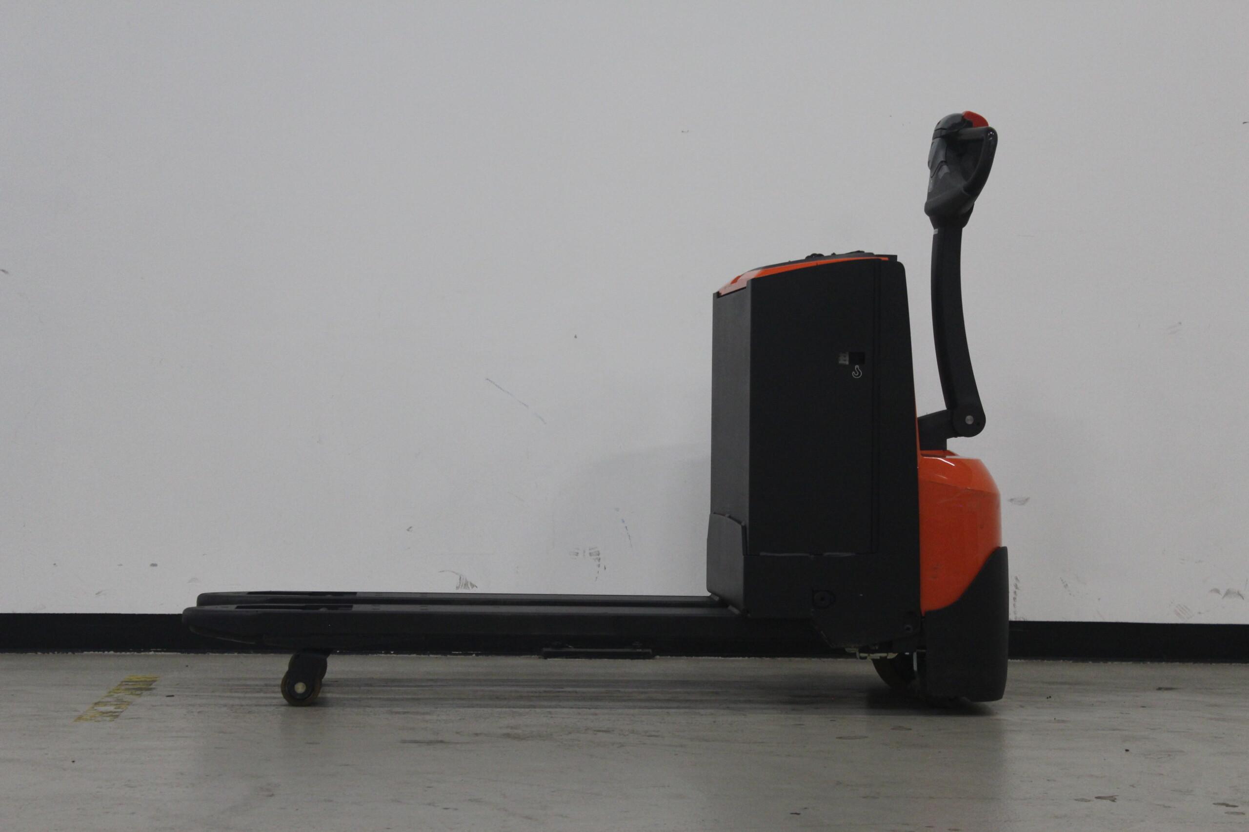 Toyota-Gabelstapler-59840 1610006838 1 33 scaled