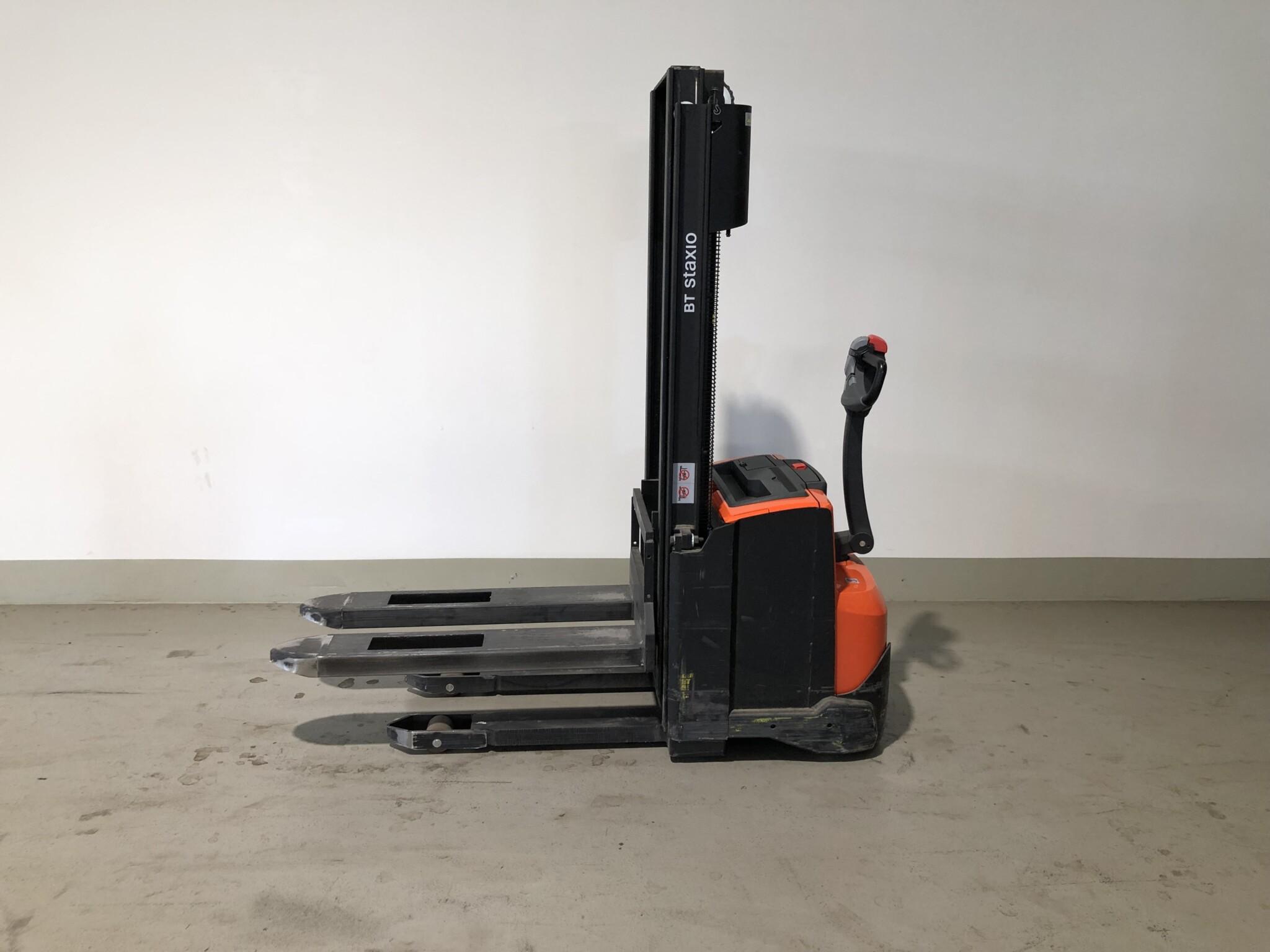Toyota-Gabelstapler-59840 1610076456 1 scaled