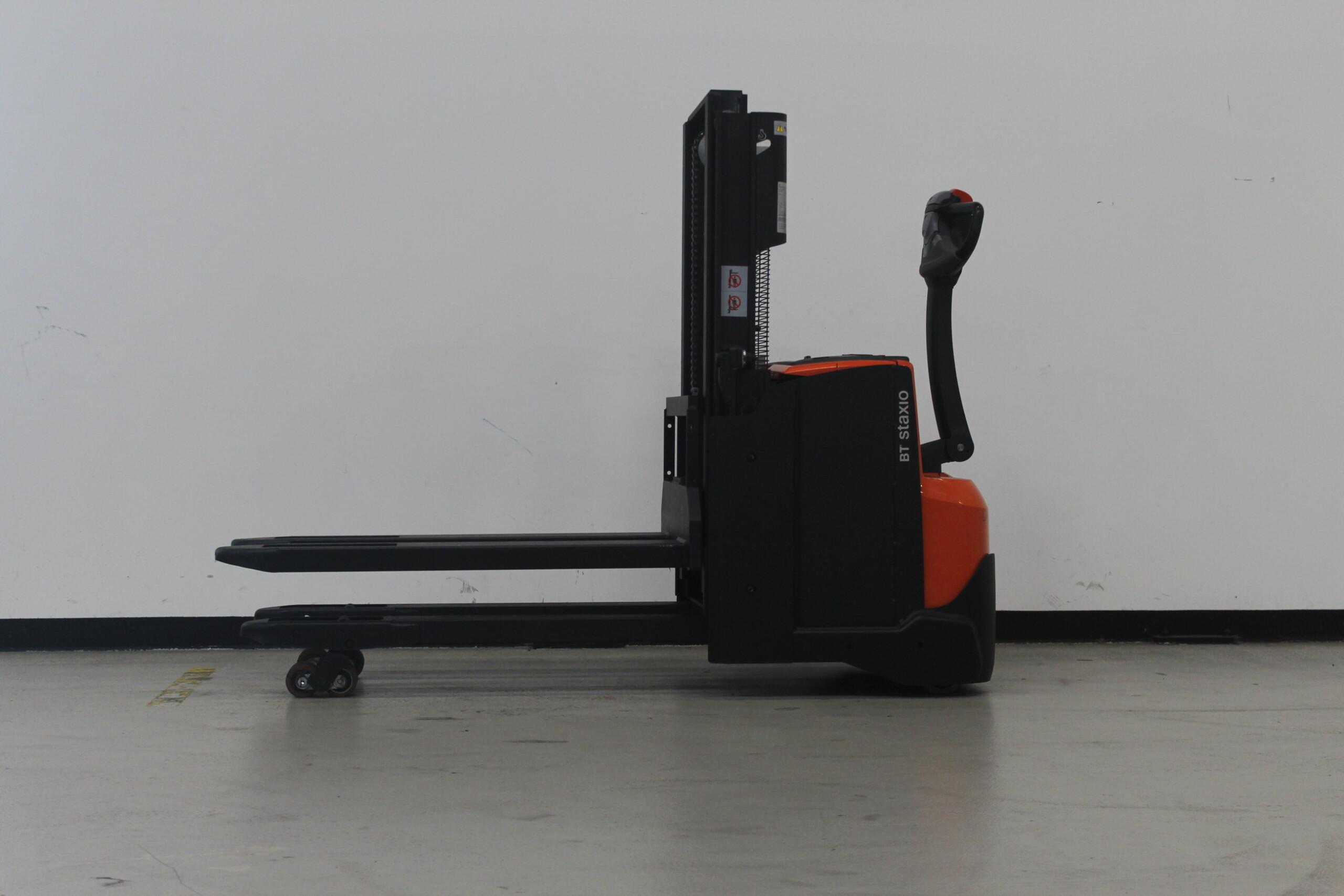 Toyota-Gabelstapler-59840 1610083128 1 7 scaled