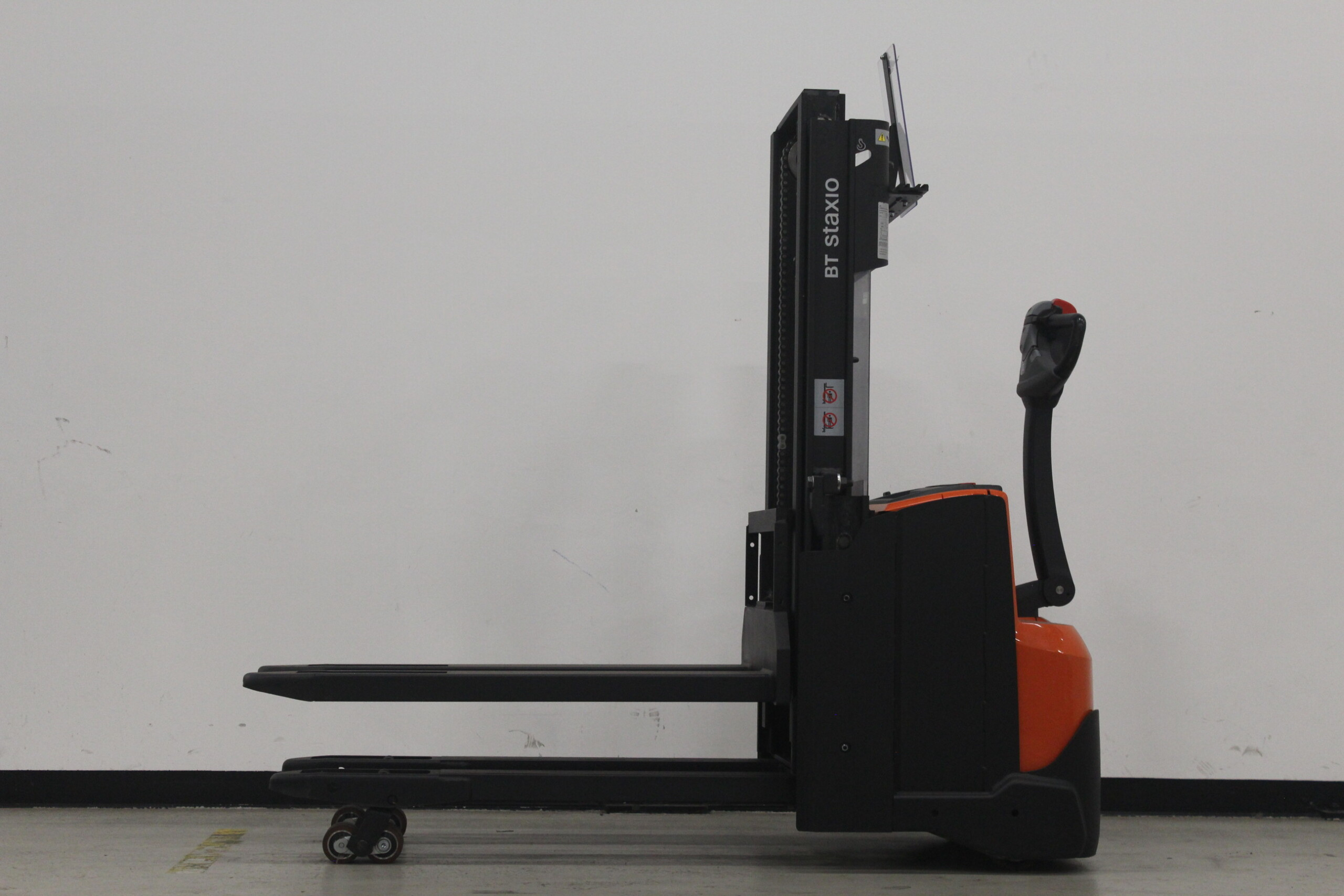 Toyota-Gabelstapler-59840 1610088281 1 4 scaled