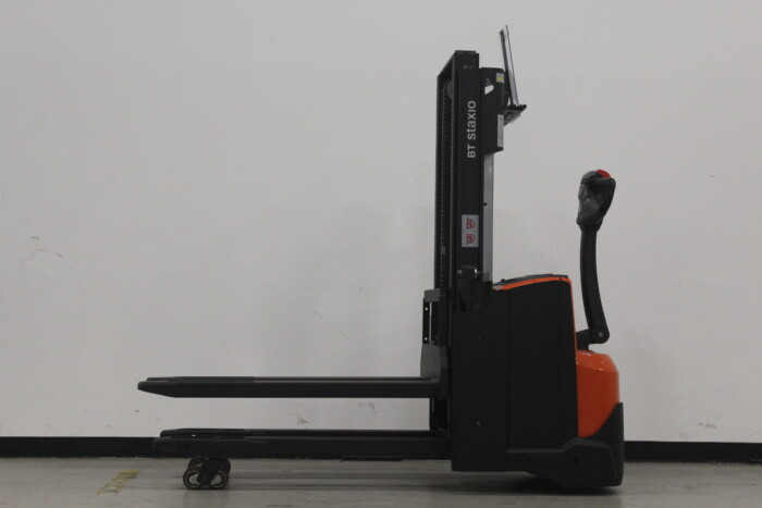 Toyota-Gabelstapler-59840 1610088281 1 5 scaled