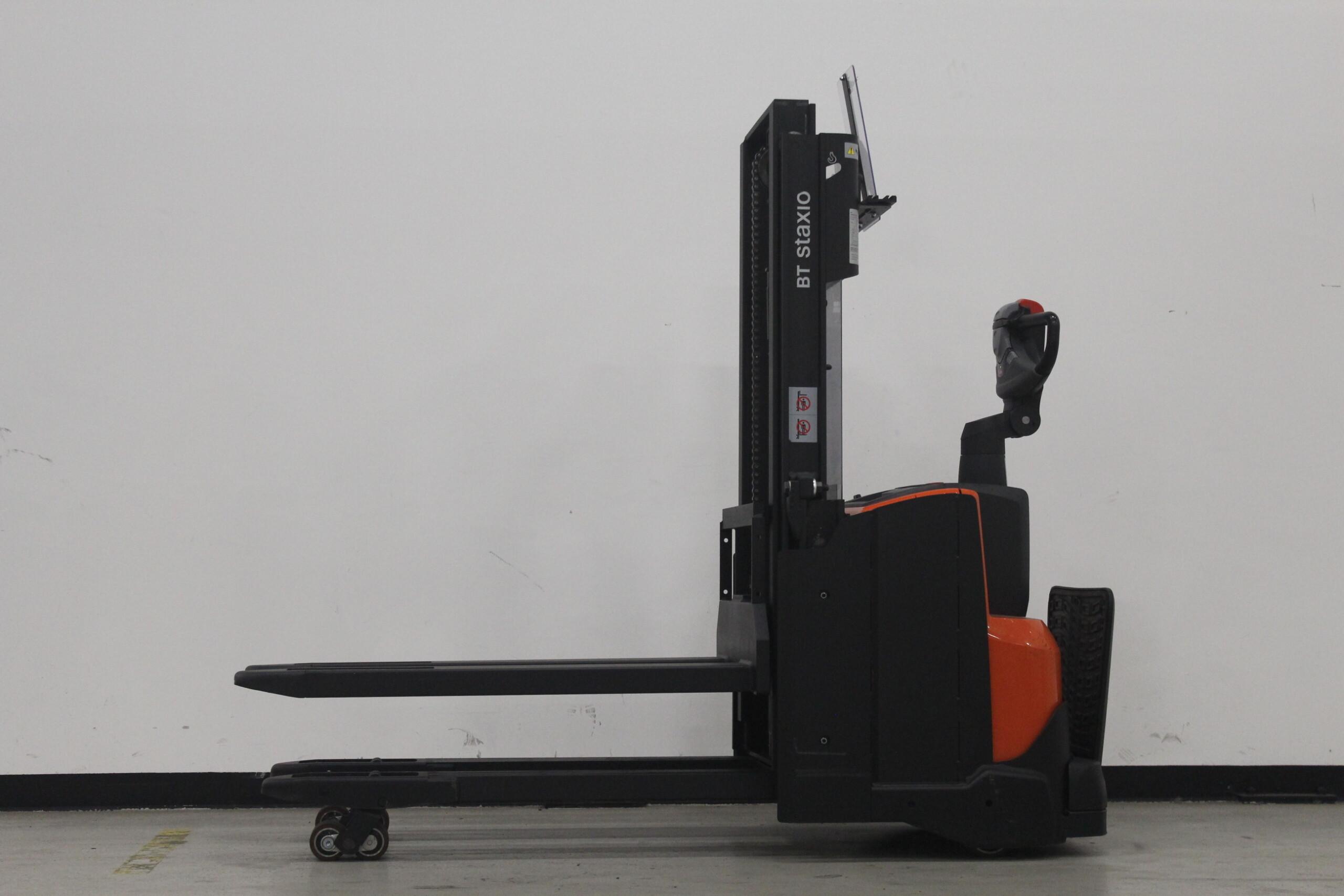 Toyota-Gabelstapler-59840 1610088284 1 23 scaled