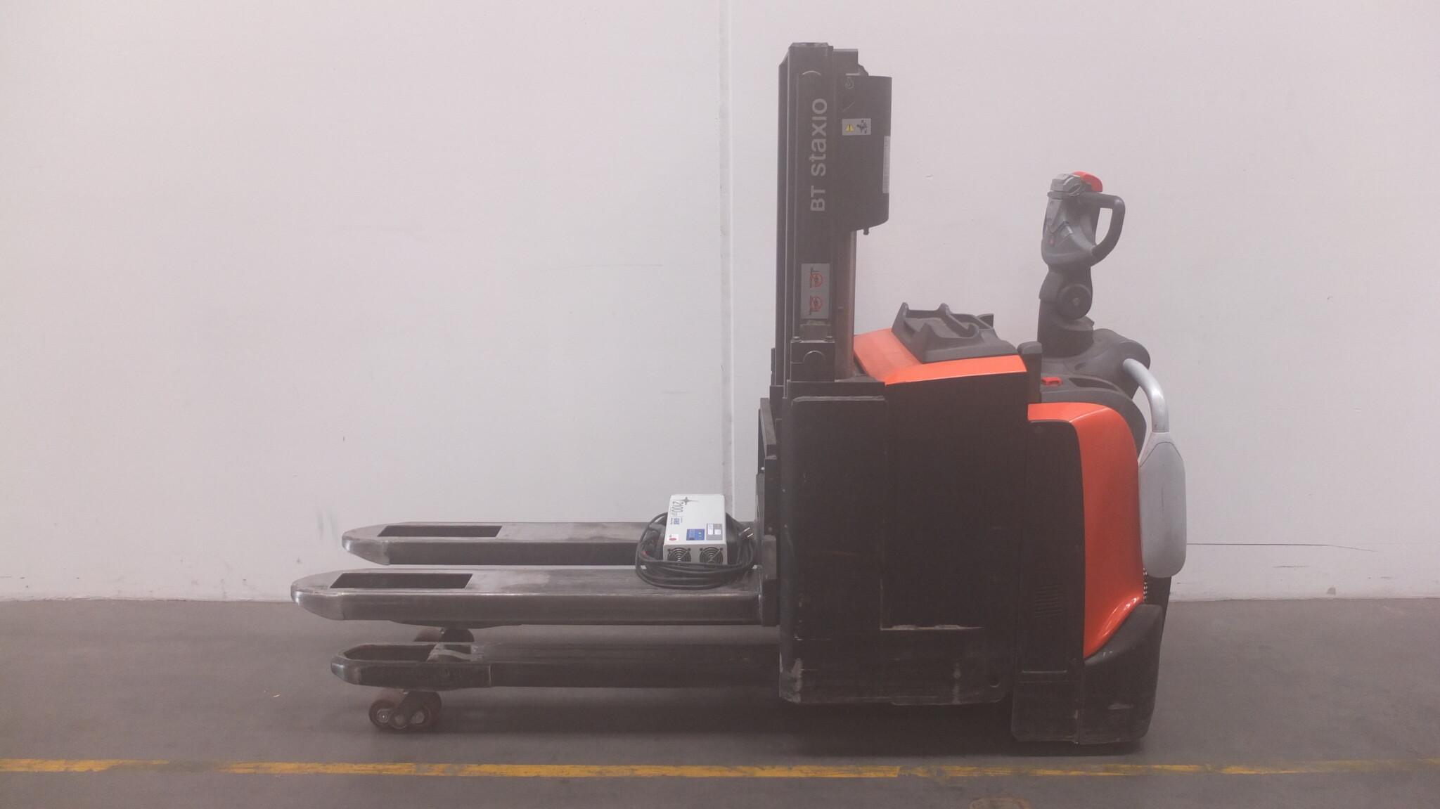 Toyota-Gabelstapler-59840 1611010056 1 scaled