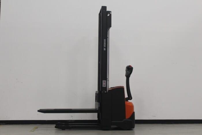 Toyota-Gabelstapler-59840 1611018207 1 2 scaled